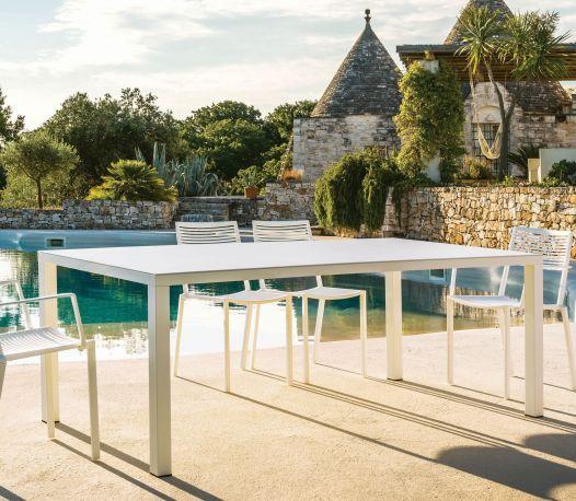 Easy, mesa para un comedor exterior en aluminio de 208 cm x 100 cm