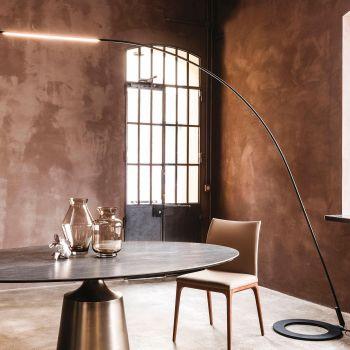 Lampo, esta lámpara minimalista hace que el acero parezca ligero