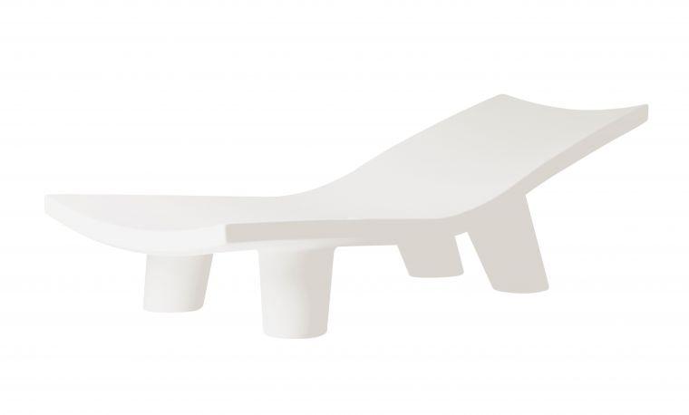 Tumbona Low Lita Lounge SLIDE Design color Milky White