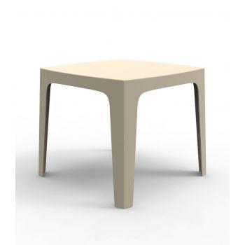 Líneas simples y versátiles en la mesa Solid