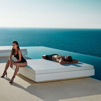 Daybed basic Vela, una cama cuadrada de exterior, momentos para disfrutar en compañía