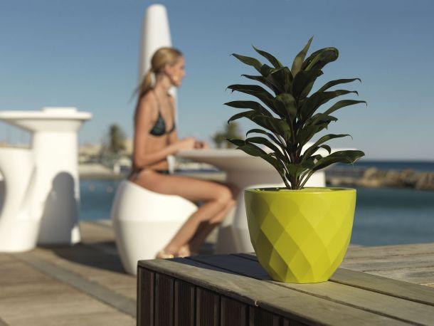 Macetero Vases Nano de Vondom en color pistacho